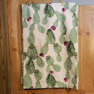 Cactus  Curtains New without Tags  Cute!